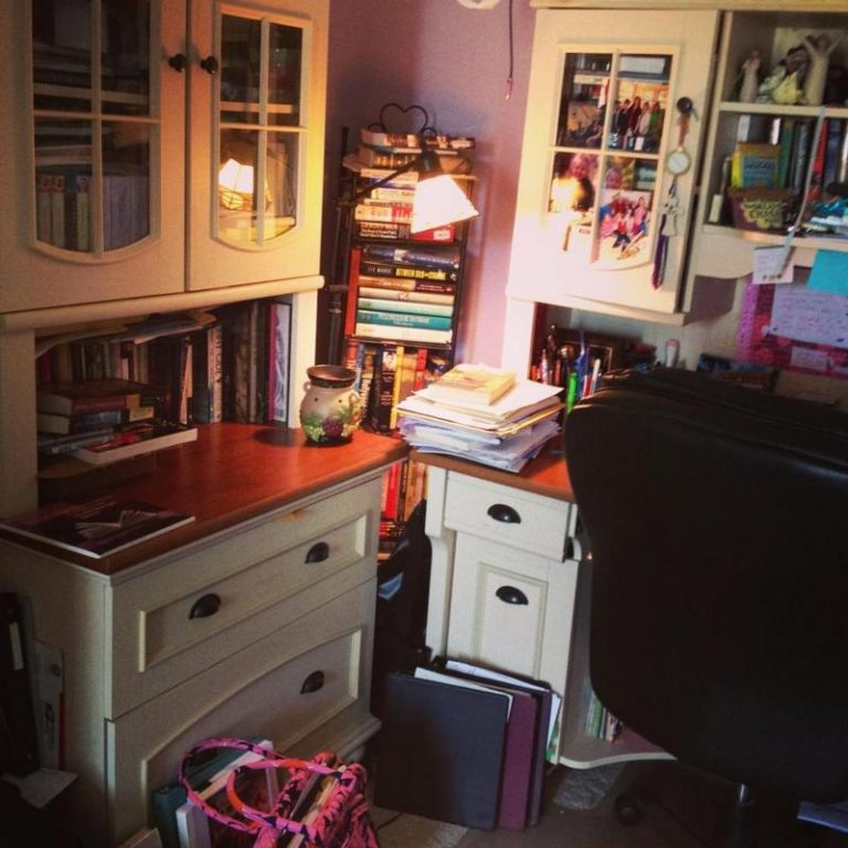 My Writing Desk | Cara Putman