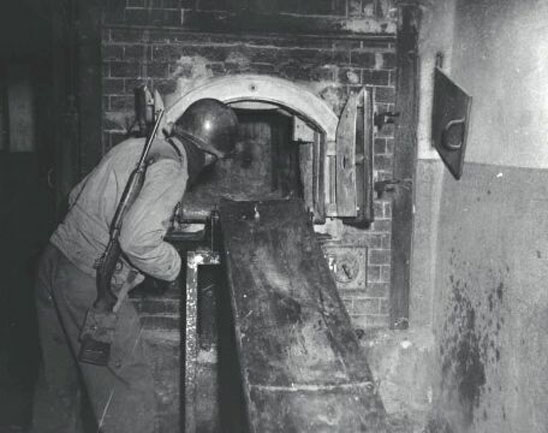 f_Ovens_at_Mauthausen